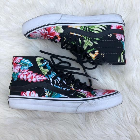 0568f2e1b6 Vans Sk8-Hi Slim Floral Sneakers. M 5bea45e7a31c3330ae30280f